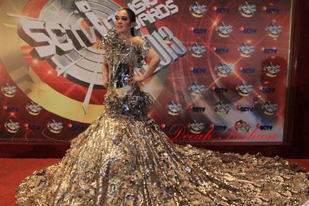 Gaun Syahrini 30 Kilogram Cinta tapi Gengsi
