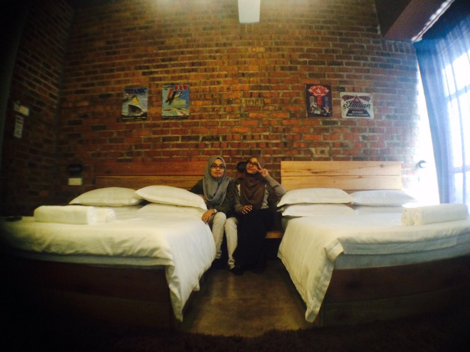 Boleh Mandikan Anak Sekaligus Haha Pemanas Air Tuala Sabun Dan Syampu Juga Disediakan Untuk Pengunjung Yang Menginap Di Hotel Ini