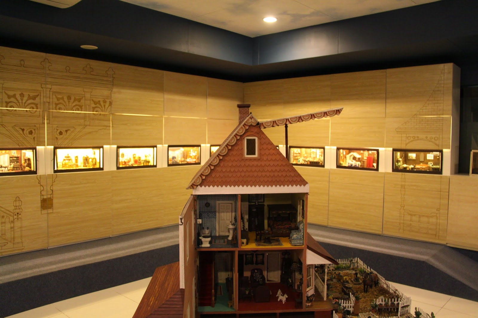 Doll house 3: Miniature Museum