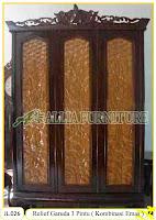 Lemari Pakaian Ukiran Relief Garuda 3Pintu ( Kombinasi emas )