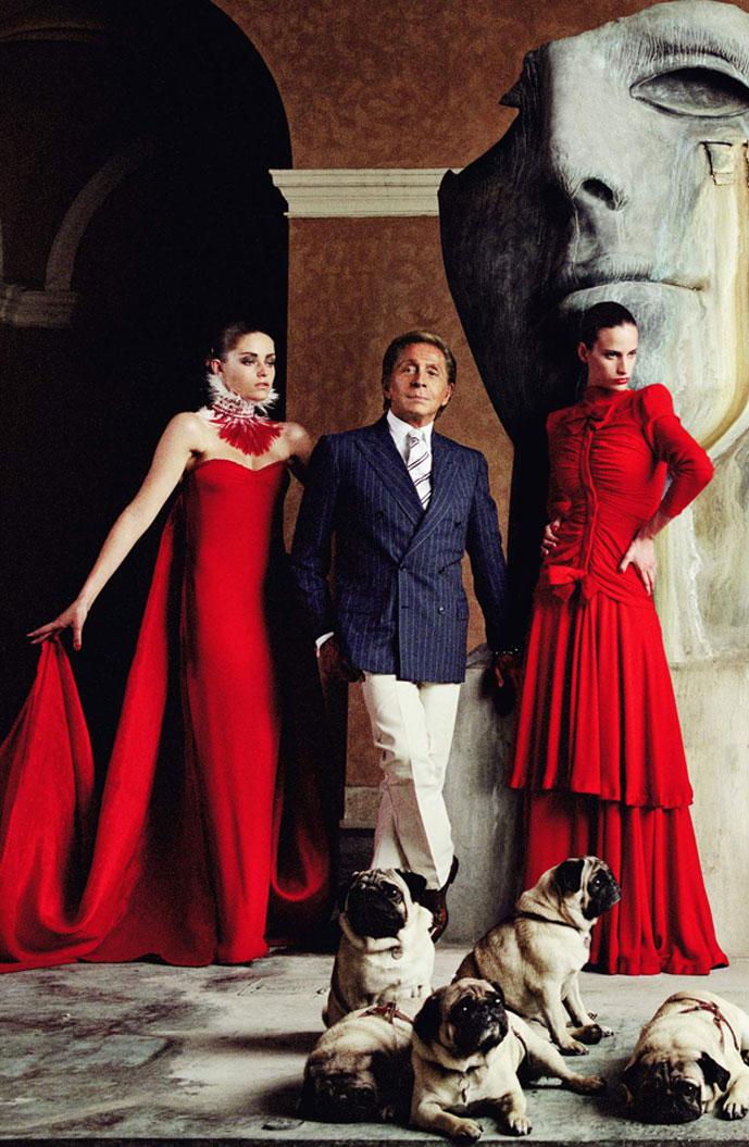 Valentino comes to London / Valentino master of couture fashion exhibition