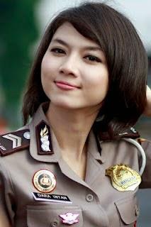 Foto Polwan Cantik Indonesia (Dara Intan)