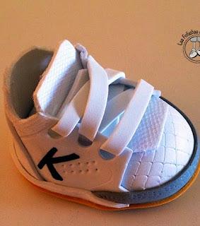 http://www.patronesfofuchas.org/2014/10/patrones-fofuchas-zapatillas-kelme.html