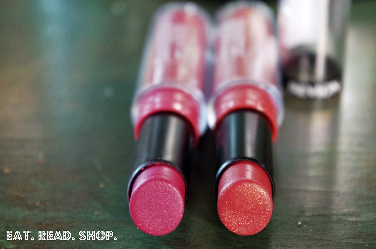 how to make lipstick stay on when drinking