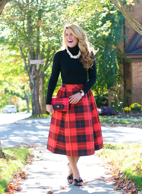 Summer Wind: Ladylike Look: Pearls   Plaid Midi Skirt   Bow Heels