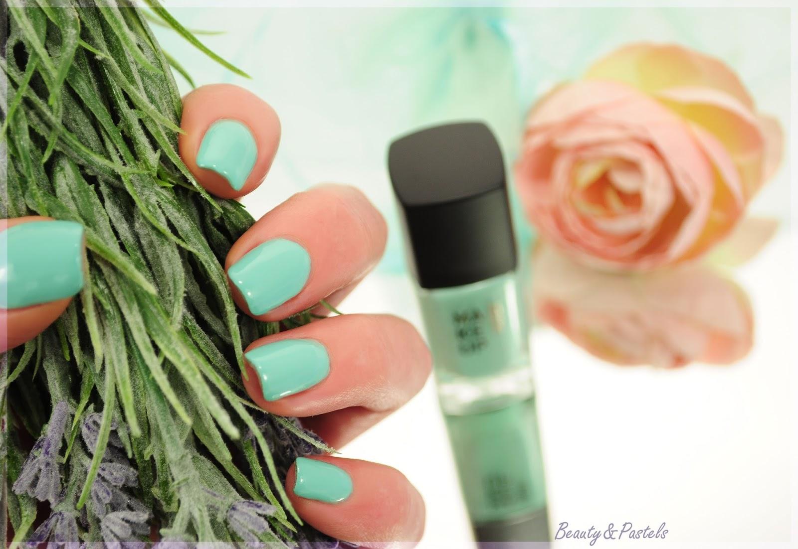 Nagellack Mintgrün
