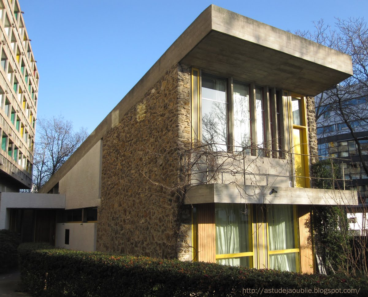 Paris pavillon du bresil le corbusier l costa for L architecture