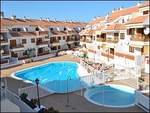 apartamentos urbanizacion con piscina en playa de las americas, los cristianos, tenerife sur