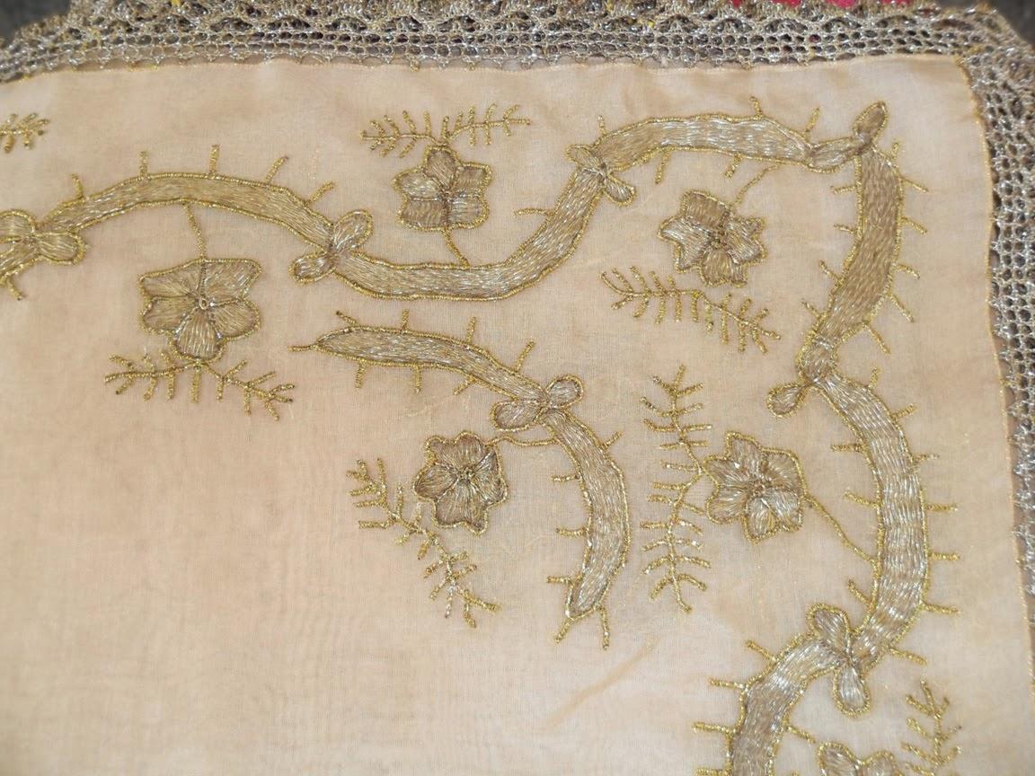 Has İpek Kumaş Üzeri Antika Örtü
