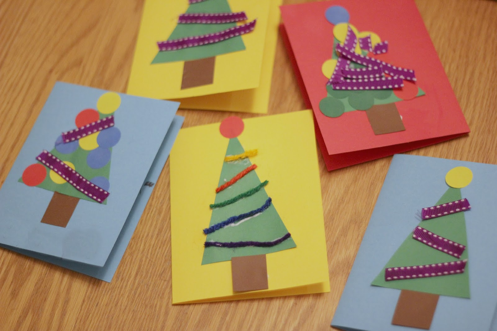 Toddler approved christmas tree card craft for preschoolers for Christmas crafts for four year olds