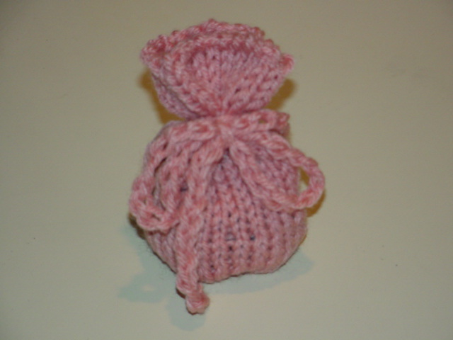 http://www.squidoo.com/free-sachet-pattern-for-the-knifty-knitter-loom