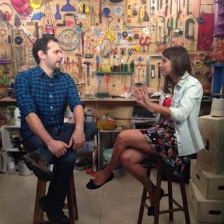 Barbara Fava entrevista o youtuber Iberê Thenório, criador e apresentador do canal Manual do Mundo  Crédito: divulgação