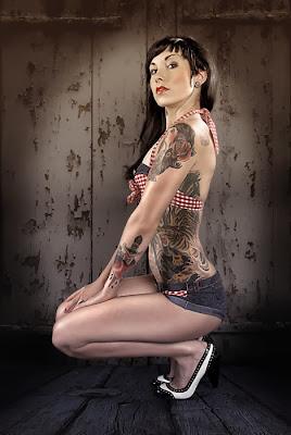 tattoo,tattoed,woman tattoo,wife tattoo,γυναικα τατουάζ,κορίτσι τατουάζ