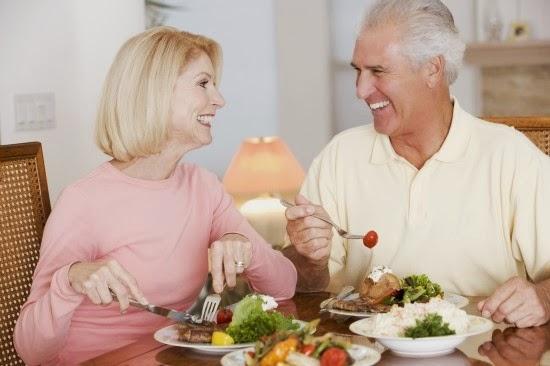 điều trị bệnh loãng xương ở người già