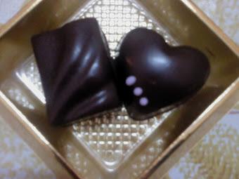 Choco Dark Milk Love Shape + Choco Dark Milk Wafer