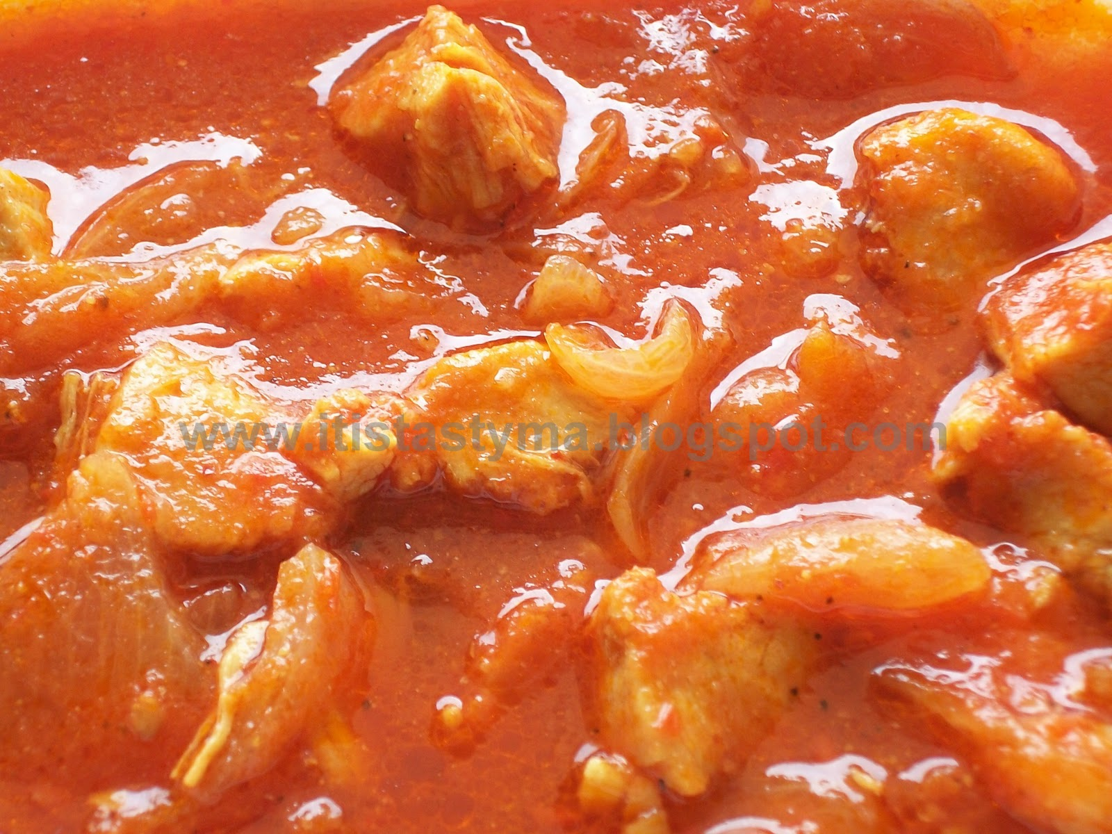 It is tasty ma!: Chicken in Tomato Gravy