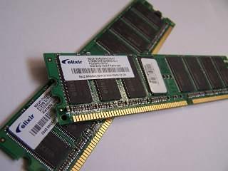 plăcuțe cu memorie RAM