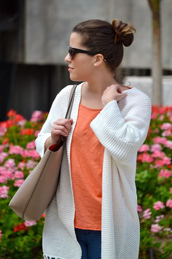 look_outfit_kimono_flecos_sandalias_plateadas_lolalolailo_06