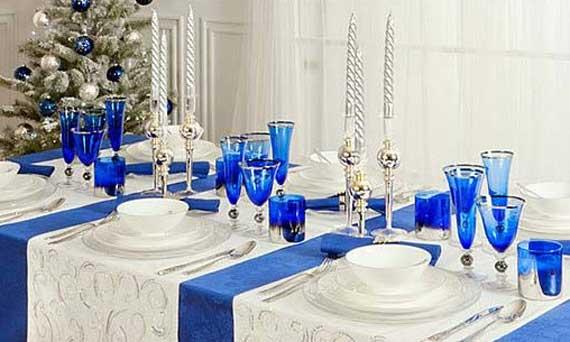 синий с белым новогодний стол