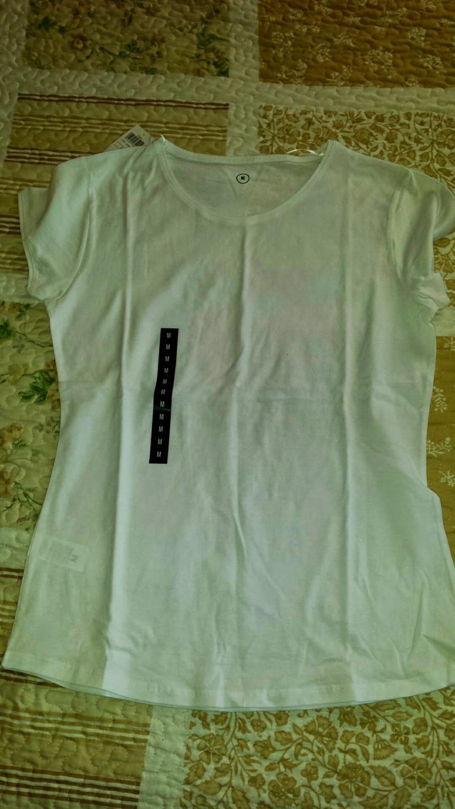 Esta es la camiseta que yo legí. Me gustan las camisetas blancas para el  verano. Son las que después se ponen más