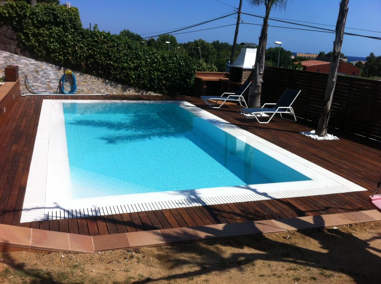 rosa gres piscina blanca agua azul caribe