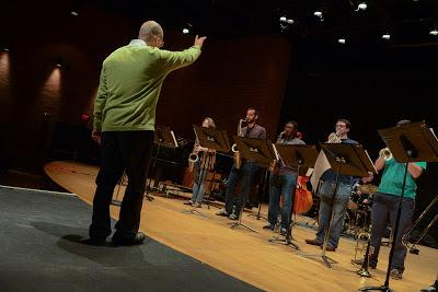 Earl MacDonald rehearsing the UConn Jazz Ensemble.