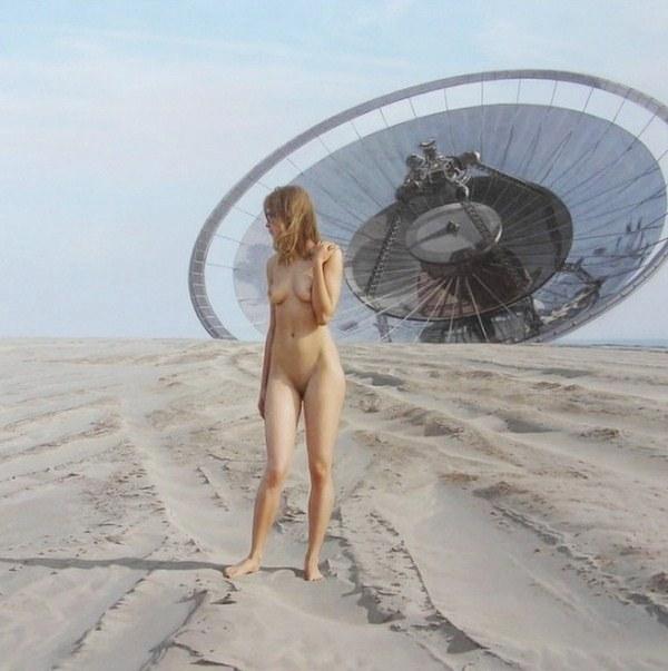 mujeres desnudas en dibujos animados:
