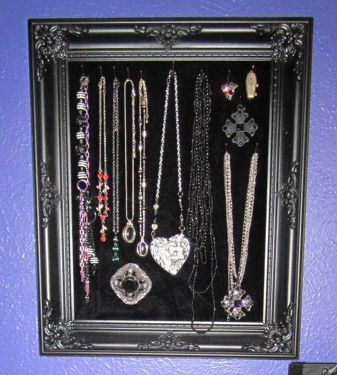GIY Goth It Yourself Easy and Inexpensive DIY Jewelry Display