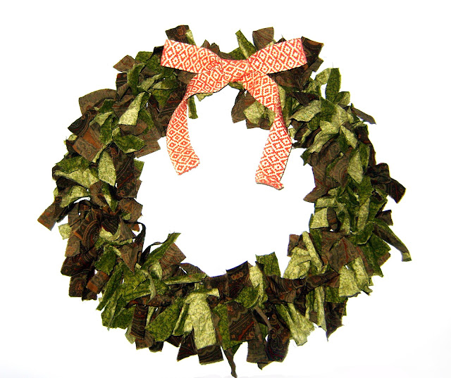 diy christmas fabric scrap wreath