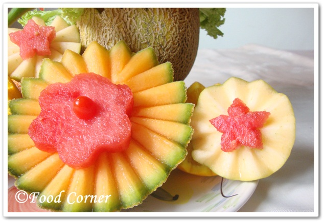 Rock Melon Centerpiece –Easy Food Garnish Idea