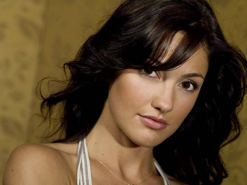 Minka Kelly Profile: