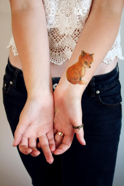 https://www.etsy.com/uk/listing/184657469/cute-little-fox-temporary-tattoo?ref=shop_home_active_2&zanpid=2116442466516689920&utm_medium=affiliate&utm_source=zanox&utm_campaign=row_buyer&utm_content=977275