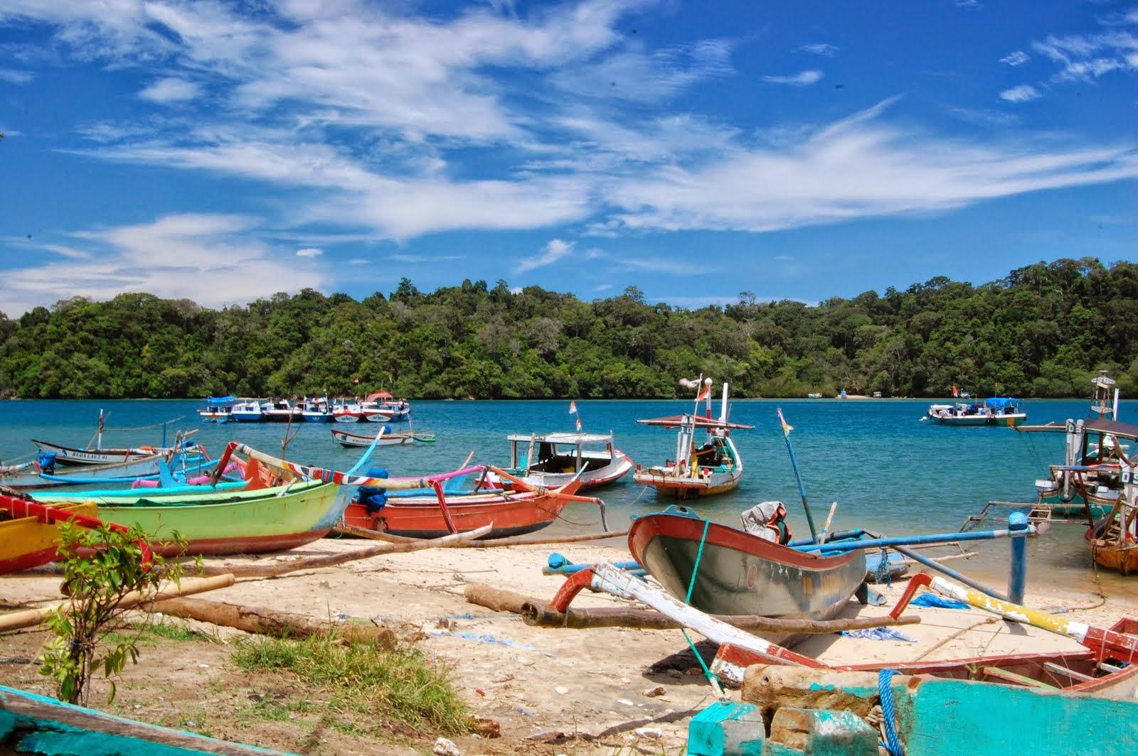 Pantai Sendang Biru | Objek / Tempat Wisata di Jawa Timur