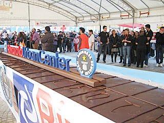 World S Biggest Bar Of Chocolate Challenge