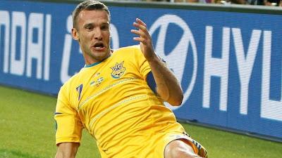 ucrania-suecia-jogador-campo