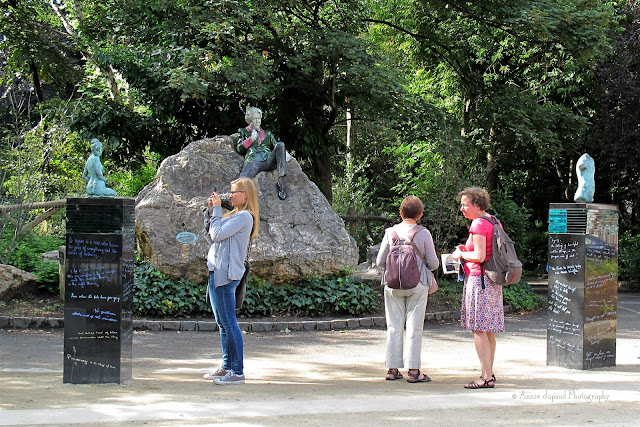 Oscar Wild memorial