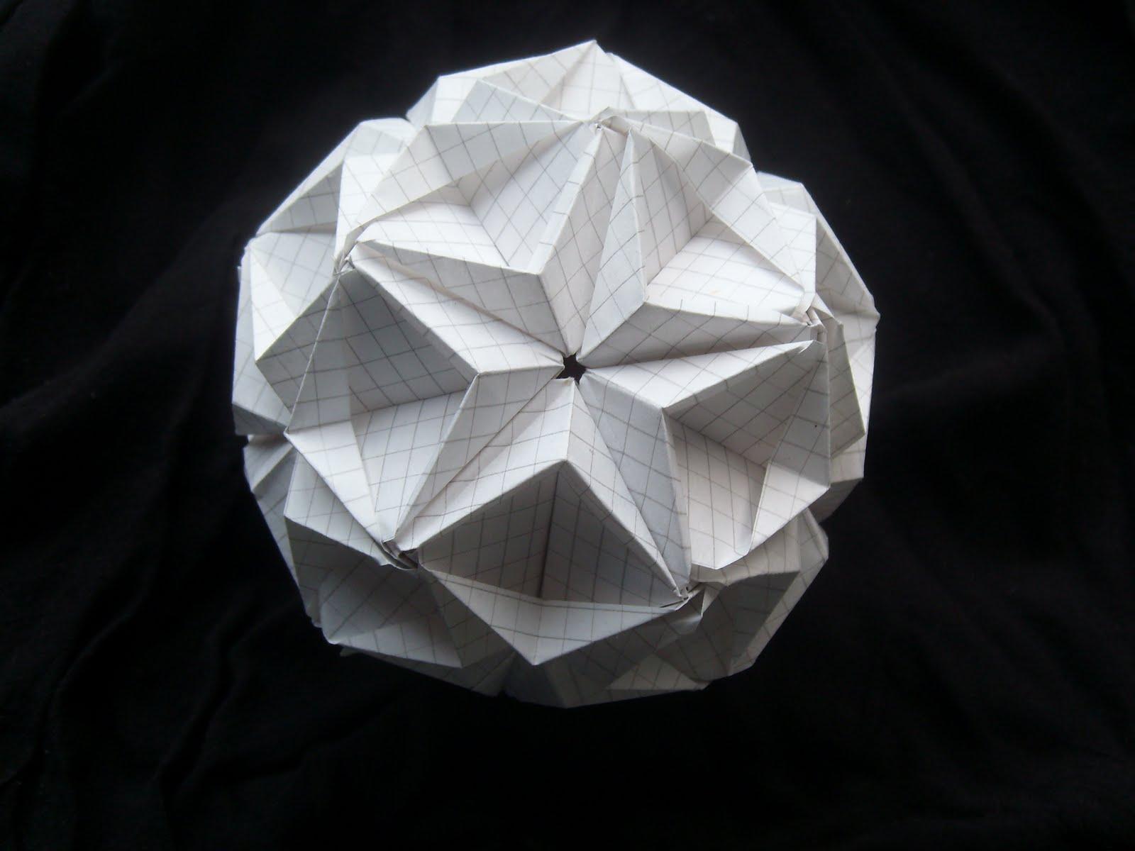 Origami Decoracion De Mesa ~   para ocasiones especiales Kusudama origami en la decoraci?n