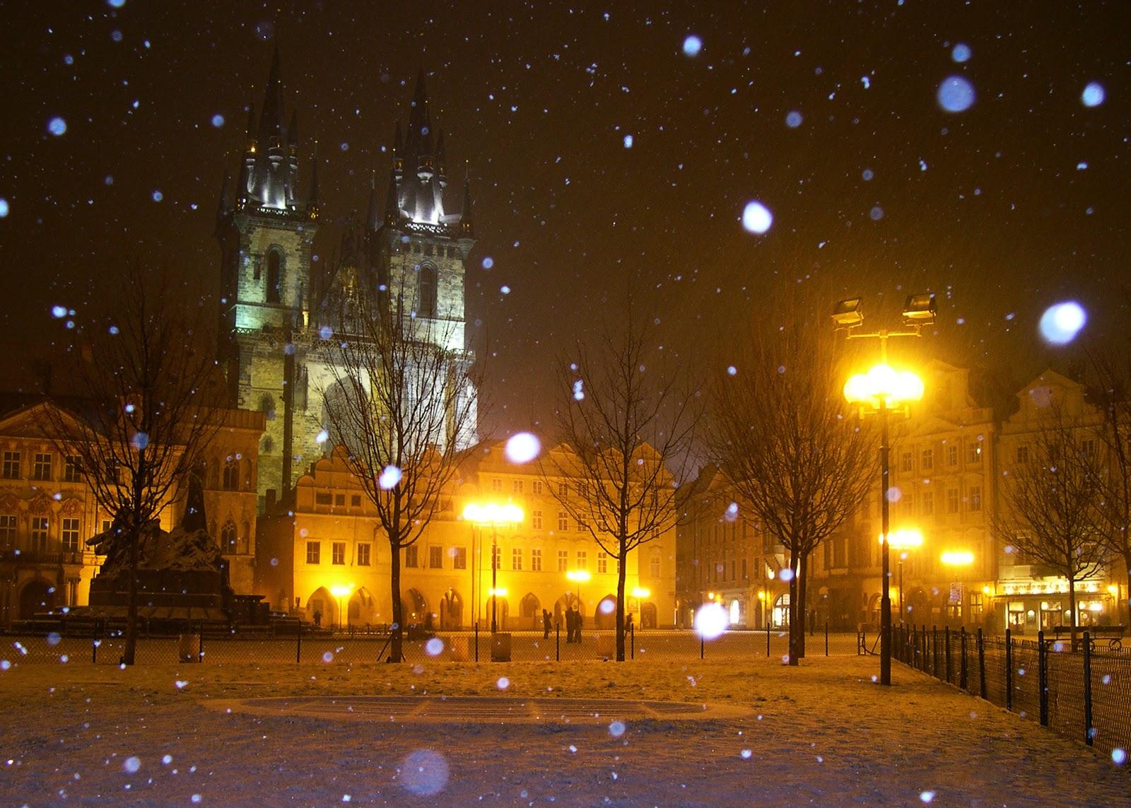 Prague in snow - Tyn Church