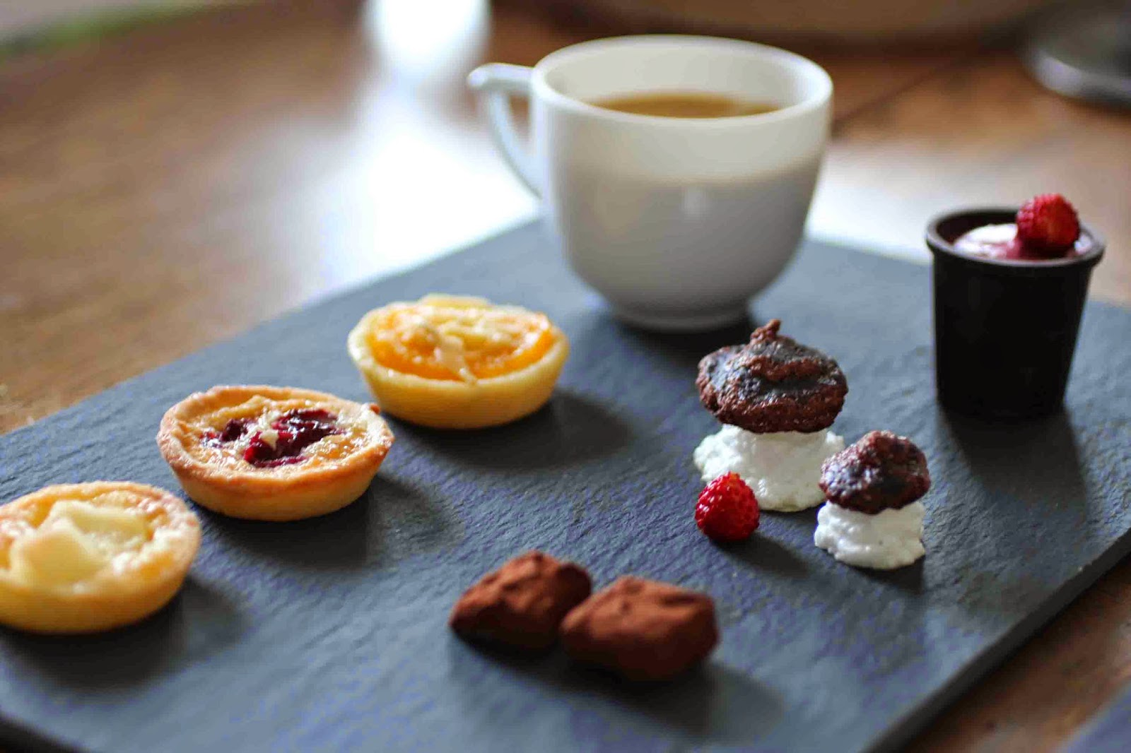 http://camilleenchocolat.blogspot.fr/2014/06/cafe-gourmand.html