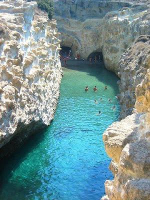 Tempat Yang Sangat Cantik Untuk Berenang