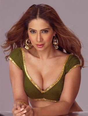 Kim Sharma Height, Weight and Age