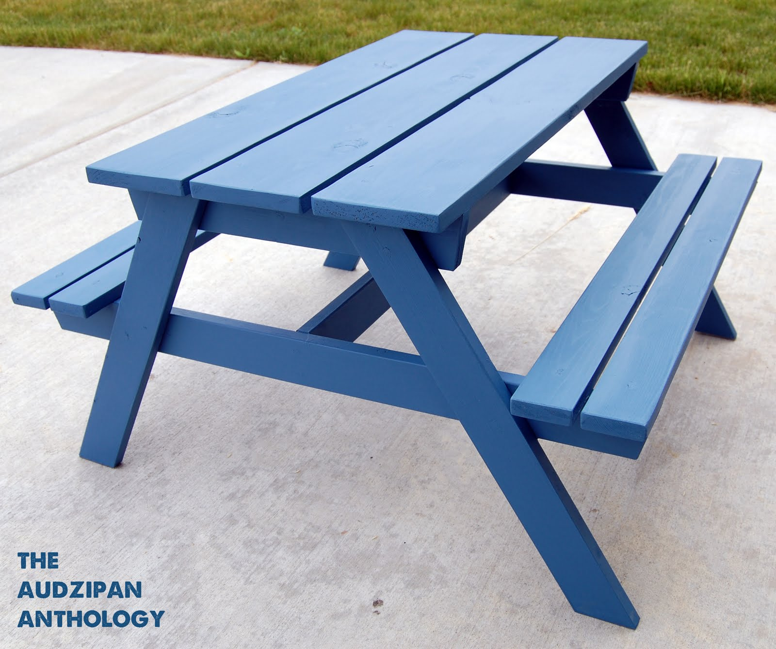 The Audzipan Anthology Toddler Picnic Table - How to stain a picnic table