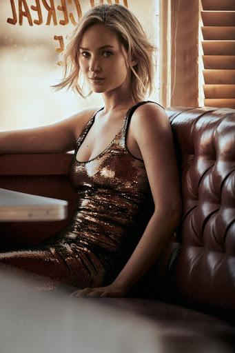 Jennifer Lawrence sexy photos Vogue Magazine December 2015
