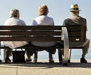 terlalu-lama-duduk-penyebab-osteoporosis-rudipakenton