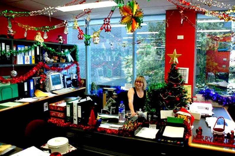 Christmas Decorating Ideas for Office Contest