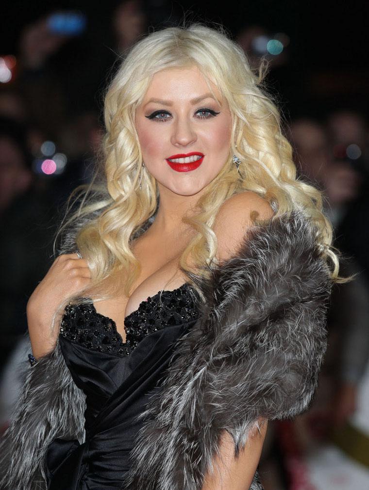 Christina Aguilera Huge Cleavage Show ~ Hot Actress Sexy Pics Christina