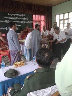 Sudah menderita, Muslim Rohingya juga dijadikan ajang pencitraan oleh pemerintah Myanmar