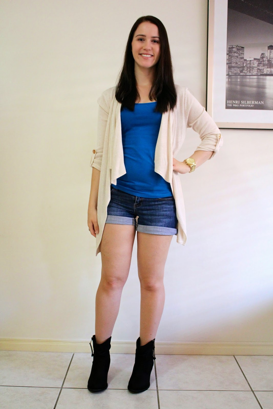 denim shorts, blue singlet, cream cardigan, black booties, everyday outfit, uni outfit, college outfit, fall outfit, autumn outfit,