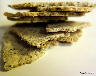 Crackers din faina migdale cu rozmarin