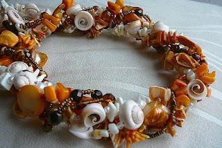 Naszyjnik w ciepłych barwach brąz - pomarańczowy - ecru